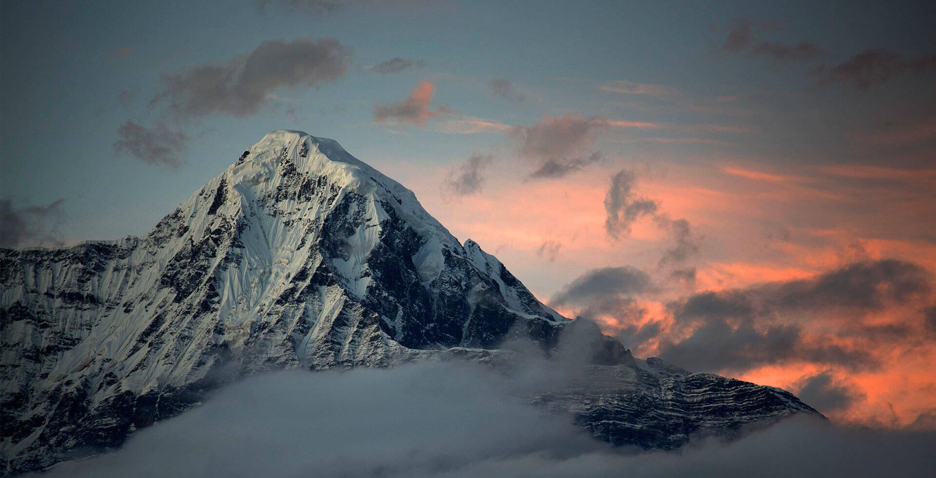 luxury trekking in nepal yeti mountain home ymh lodge