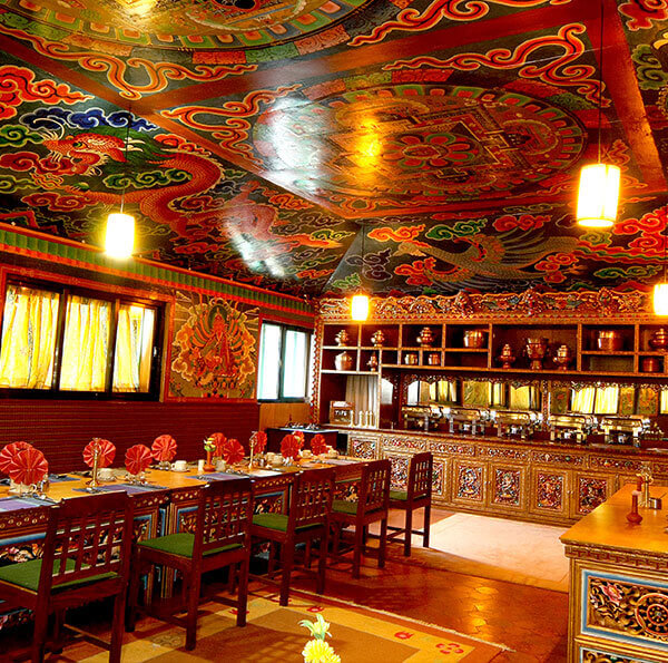 Yeti Mountain Home (YMH) Lukla dining room